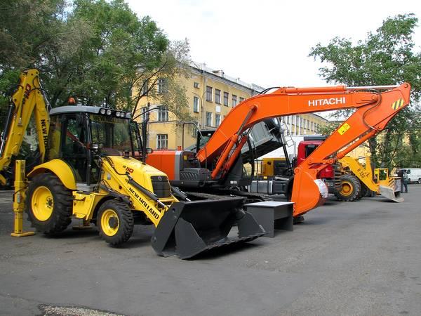 Когда проводятся строительные или дорожные работы справиться без трактора или бульдозера не возможно.
